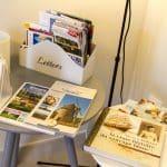 Documents touristiques à disposition dans le gîte